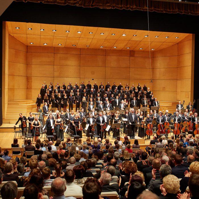DVD Mozart, Requiem / Theresa Plut, Bernarda Fink, Martin Sušnik, Marcos Fink, Mešani zbor Glasbene matice, Simfoniki RTV Slovenija, Loris Voltolini