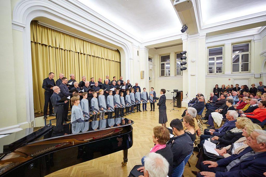 Seniorski pevski zbor